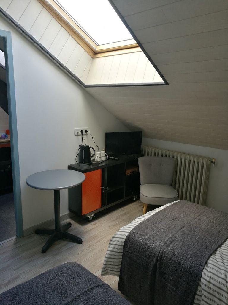 Chambre atelier avec 2 lits jumeaux chambre d 39 h tes - Chambre d hote dans les landes ...