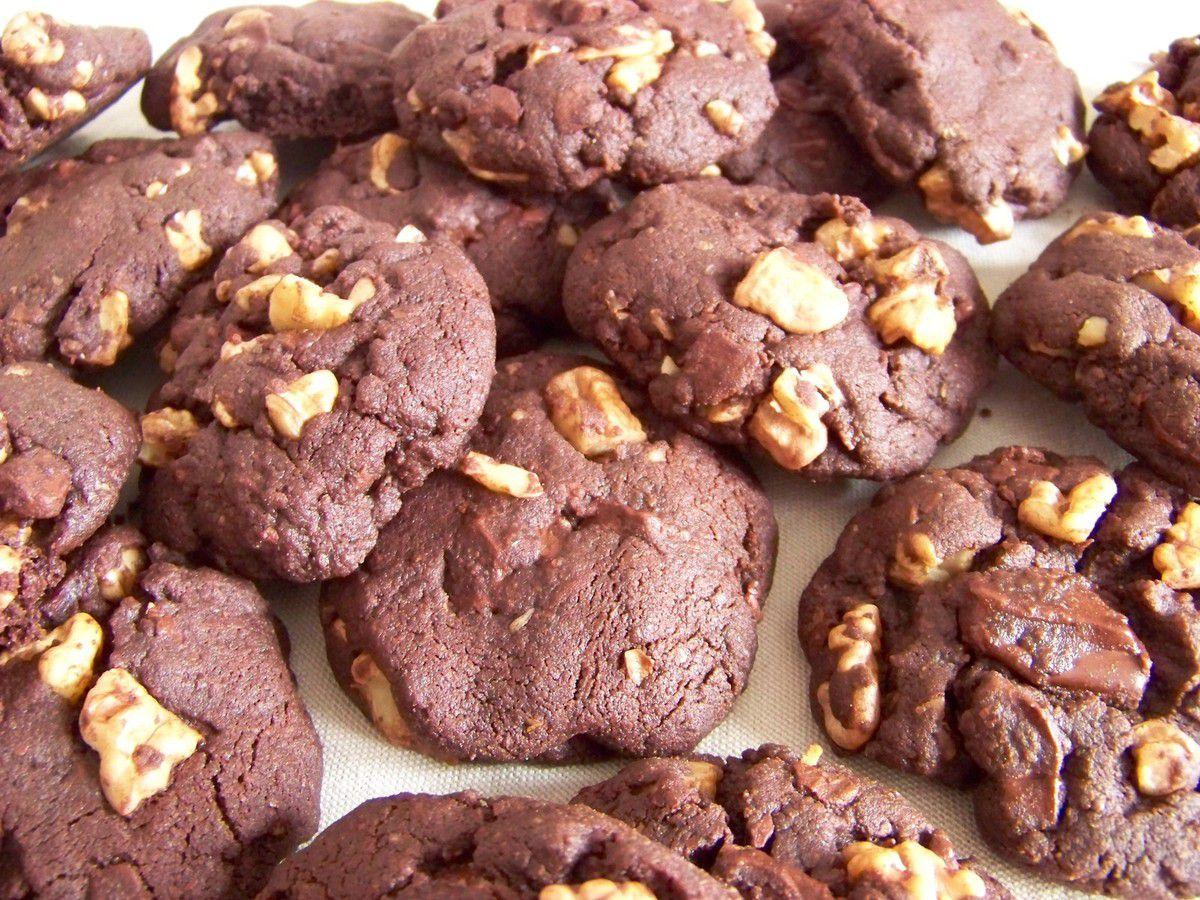 Cookies tout choco éclats de chocolat et de noix