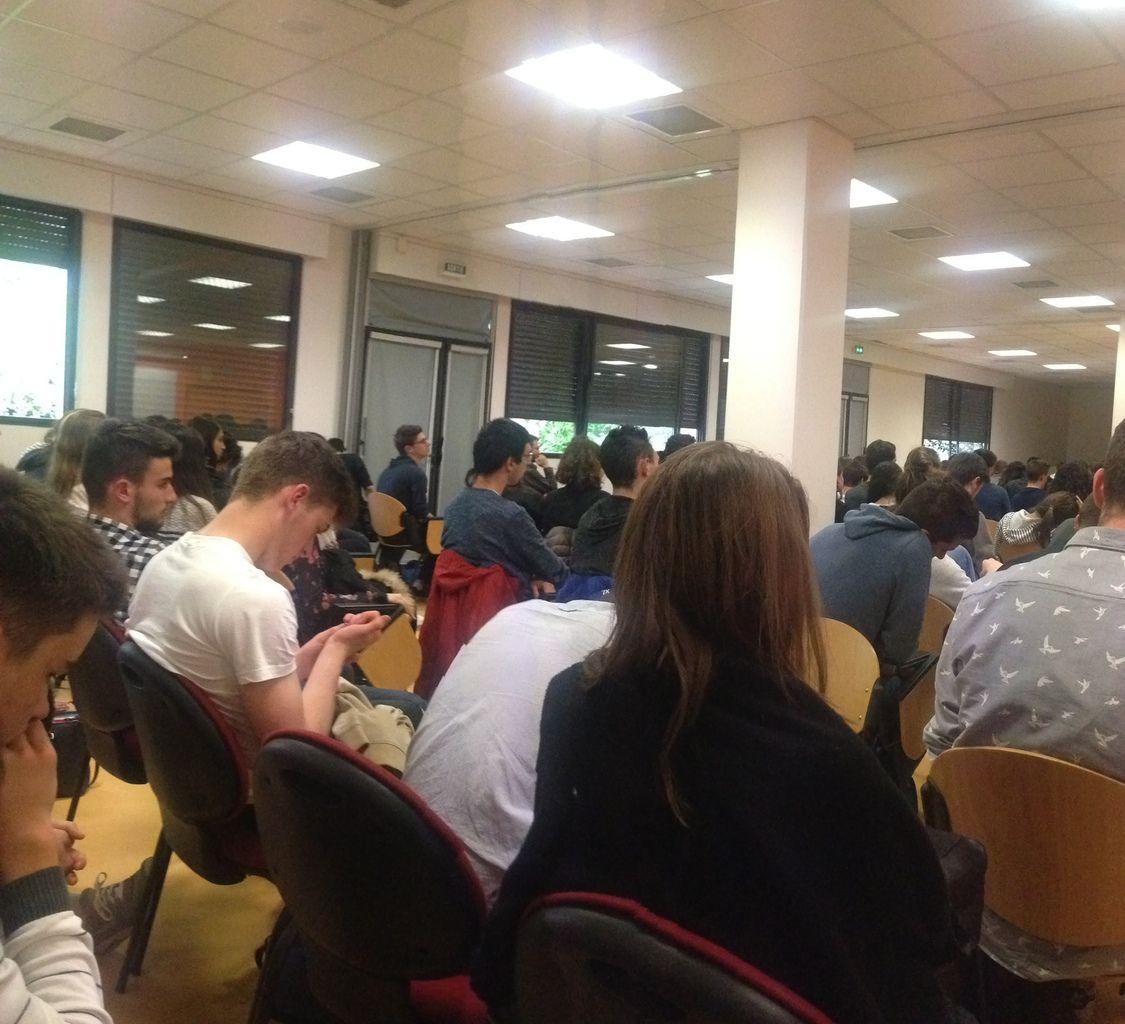 Belles rencontres Au Lycée Montel de Rodez . Près de 350 élèves