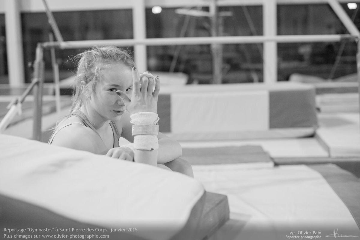 Reportage Gymnastes à Saint pierre des Corps en France. Reportage sur la gymnastique en France.