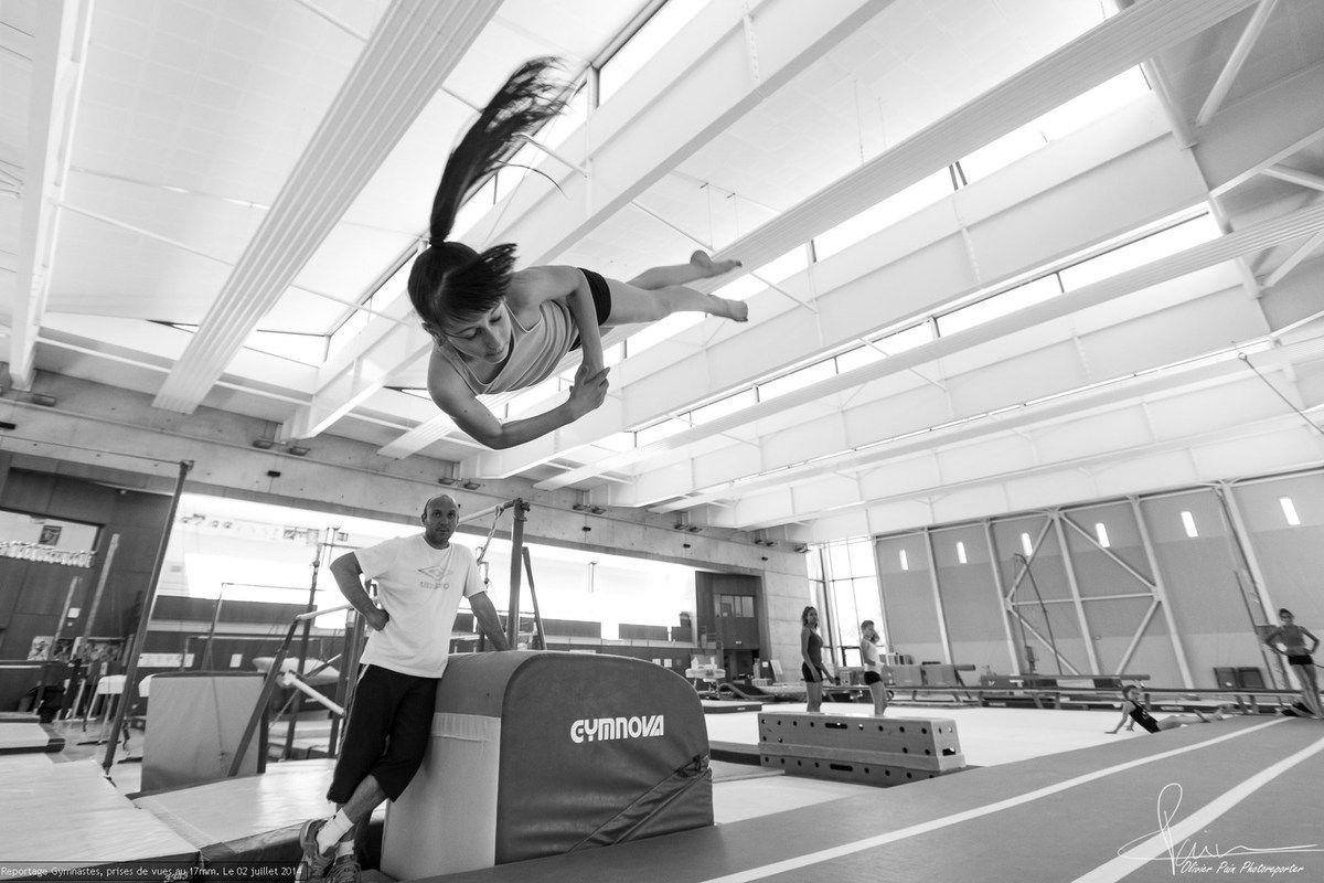 """Reportage """"gymnastes"""" ayant pour sujet la gymnastique en France. Reportage de sport réalisé à Saint Pierre des Corps en France."""