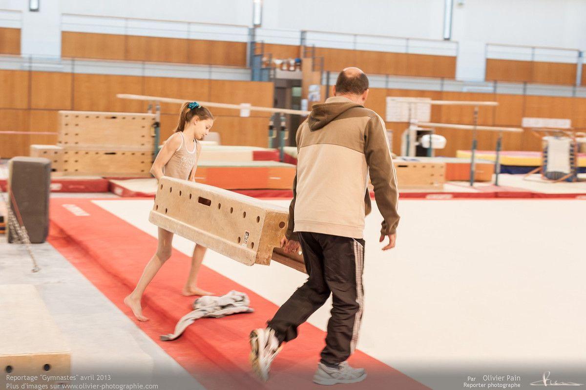 Reportage sur la gymnastique artistique féminine en France. Prises de vues réalisées à Saint pierre des corps au gymnase du Val Fleuri à quelques km de Tours.
