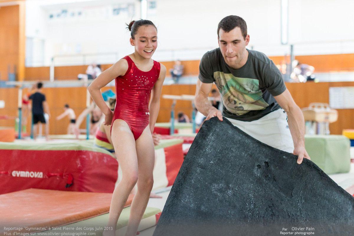 Reportage sur la gymnastique en France. Suivi de jeunes gymnastes réalisé au gymnase du Val Fleuri à Saint Pierre des Corps à quelques km de Tours.