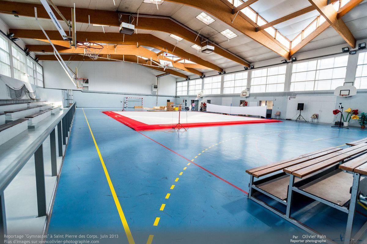 Reportage sur la gymnastique en France. Suivi de jeunes gymnastes de Saint Pierre des Corps à quelques km de Tours.