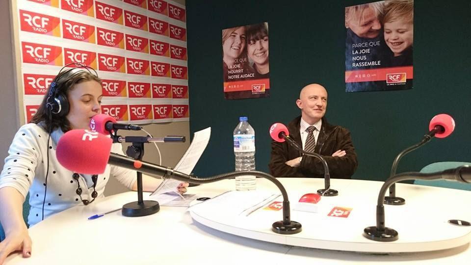 Jean Pascal Jauzenque (Illustrateur) et Cécile Thomas (journaliste chez RCF), La photo a été prise par Olivier pain.