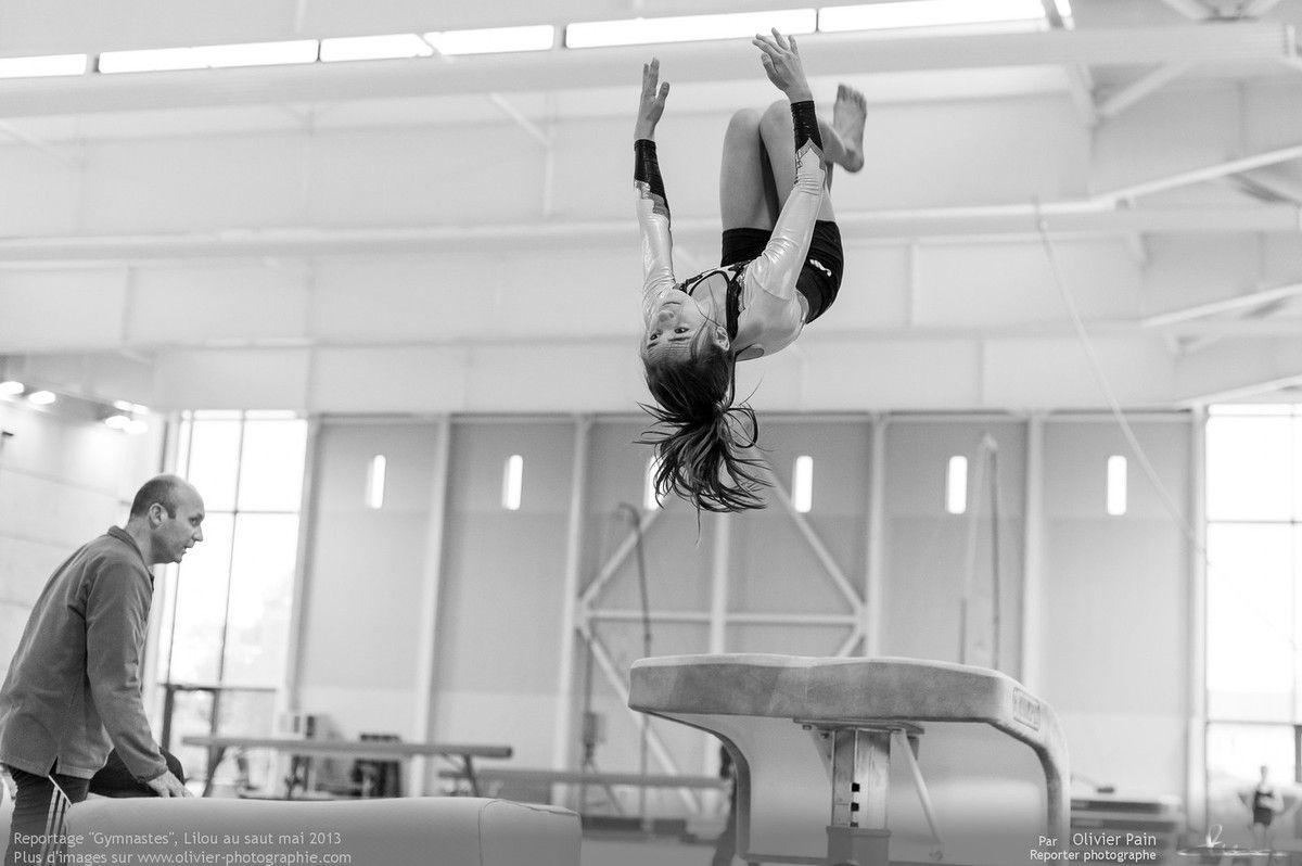 Reportage Gymnaste ayant pour thème le suivi de jeunes gymnastes de Saint Pierre des Corps à quelques km de Tours. Reportage sur la gymnastique artistique en France.