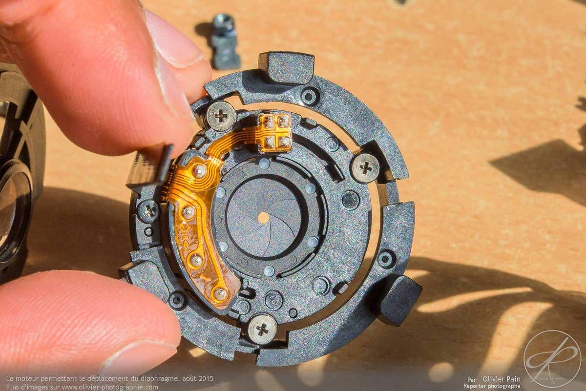 Gros plan sur la bague de diaphragme équipée elle aussi de son moteur piézo-électrique.
