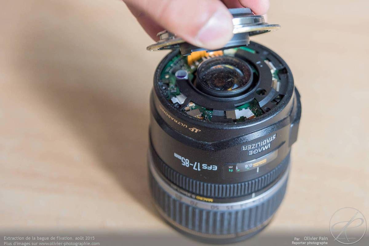 Extraction de la bague de fixation de l'objectif et accès à la lentille arrière.