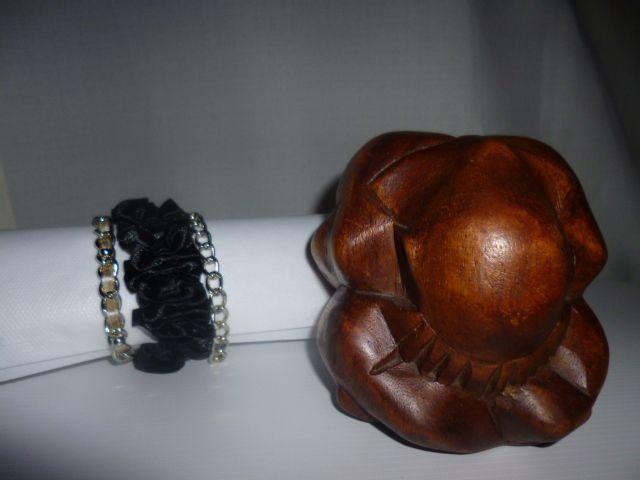 Bracelet brésilien noir satin n°6  le must du bijoux pour 20 € ou chez http://bijouxdusud.eklablog.com