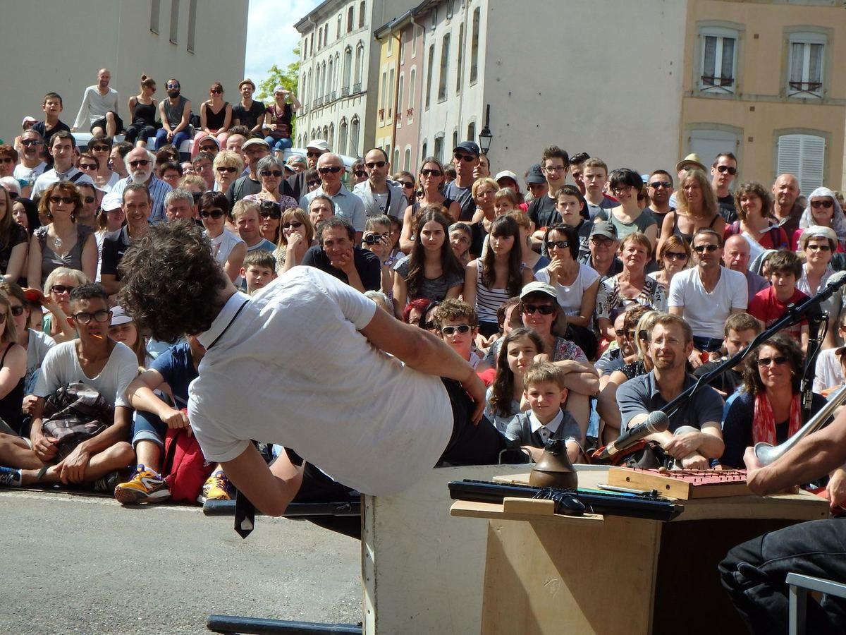 Festival de spectacle de rue - Rue et cies 2015-vidéo-photos
