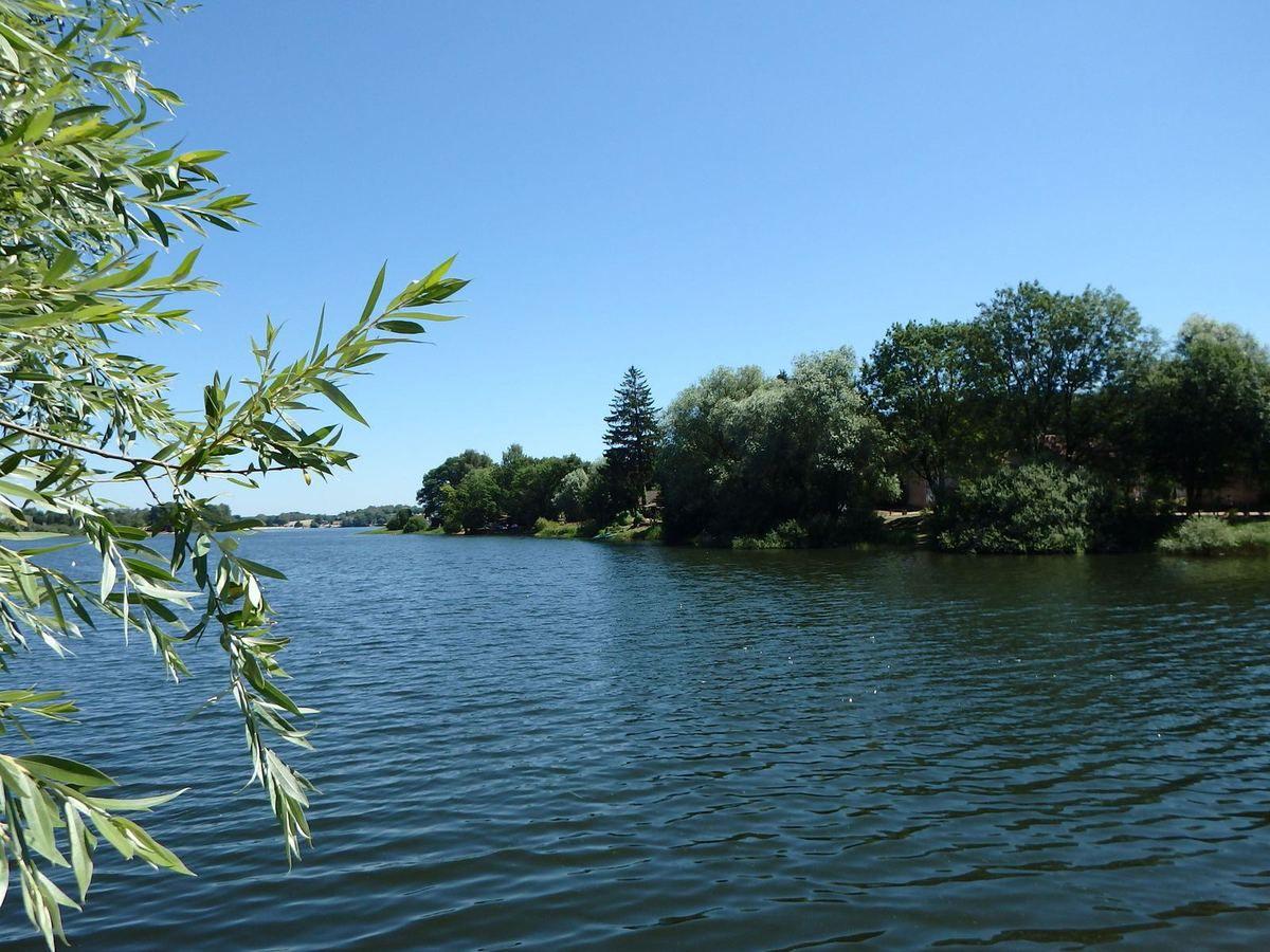 Bouzey le lac et le club de voile