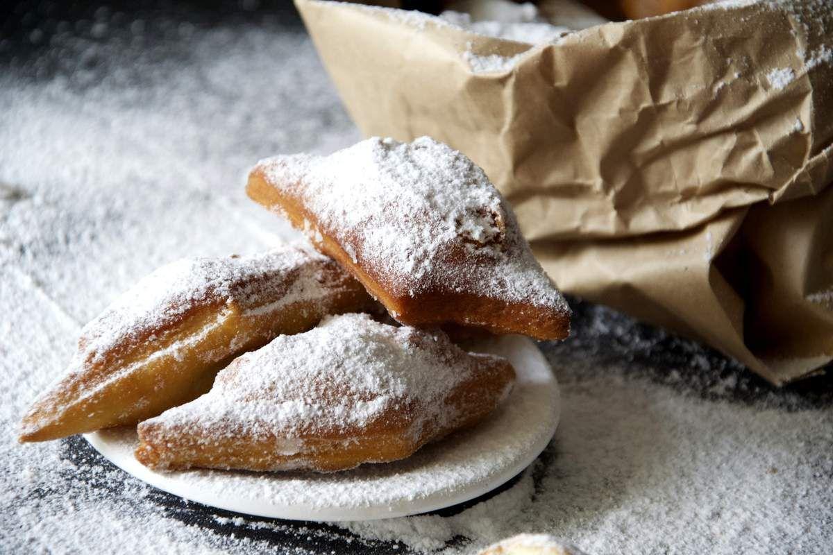 Merveilles, beignets au sucre