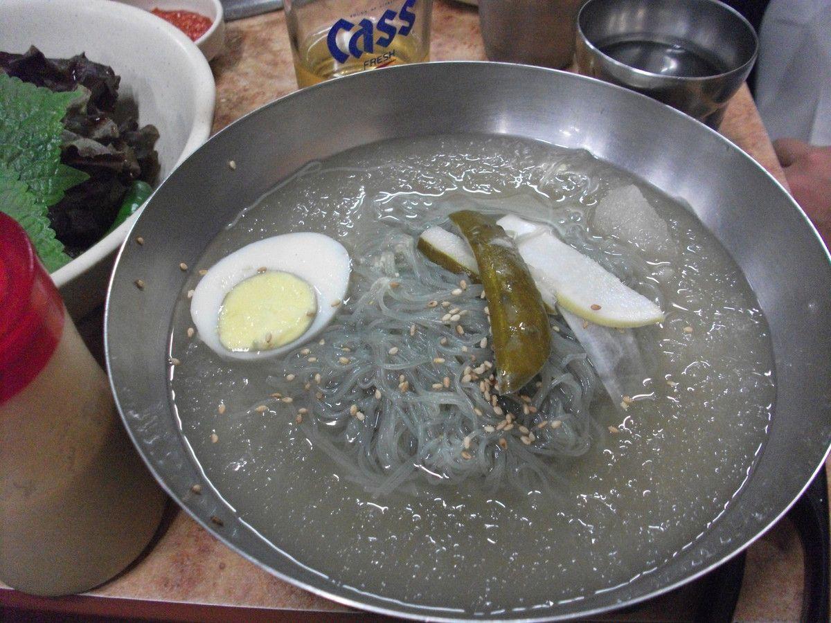 Naengmyon (nouilles froides). Ici, elles sont assez pauvres....