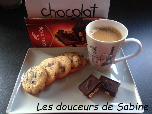 Les cookies Côte d'Or au chocolat noir et aux noisettes