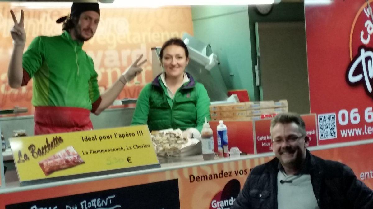Merci à Nathalie , Stéphane et leur pizzaïlo.