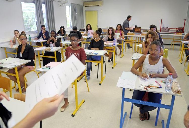 Épreuve du bac à la Possession, (Réunion), en 2014. (photo AFP)