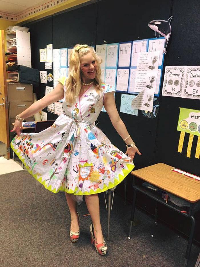 Profesora se despide de sus alumnos de una manera muy especial