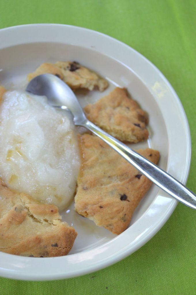 Sorbet au limoncello et brisures de cookies