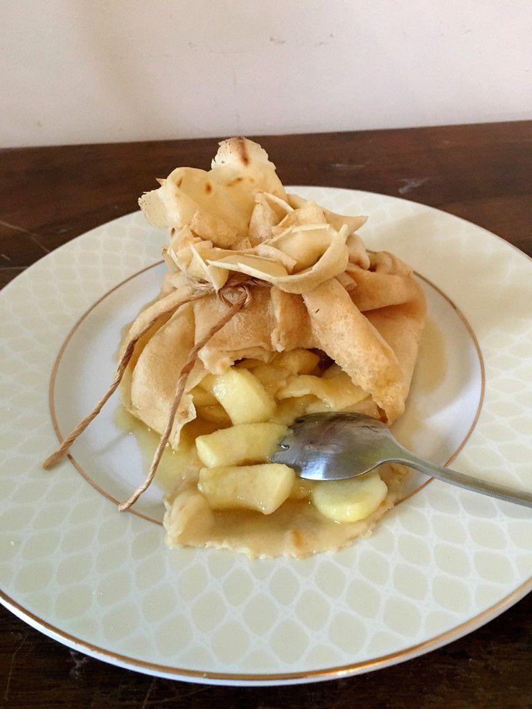 Aumonière de crèpe au caramel et pommes flambées - Dégustabox d'octobre