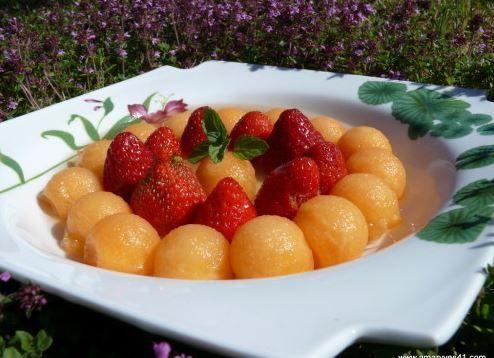 Melon et fraises au Pineau des Charentes ou comment agrémenter des fruits pas au top !
