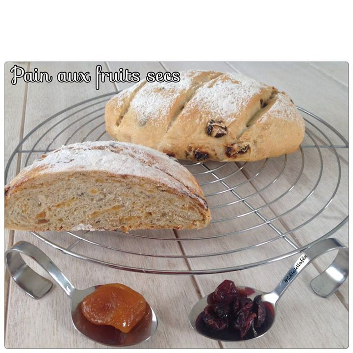 Pain aux fruits secs