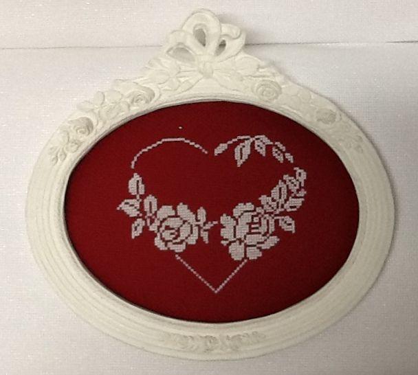 Un cuore e due rose a punto croce, per la festa della mamma