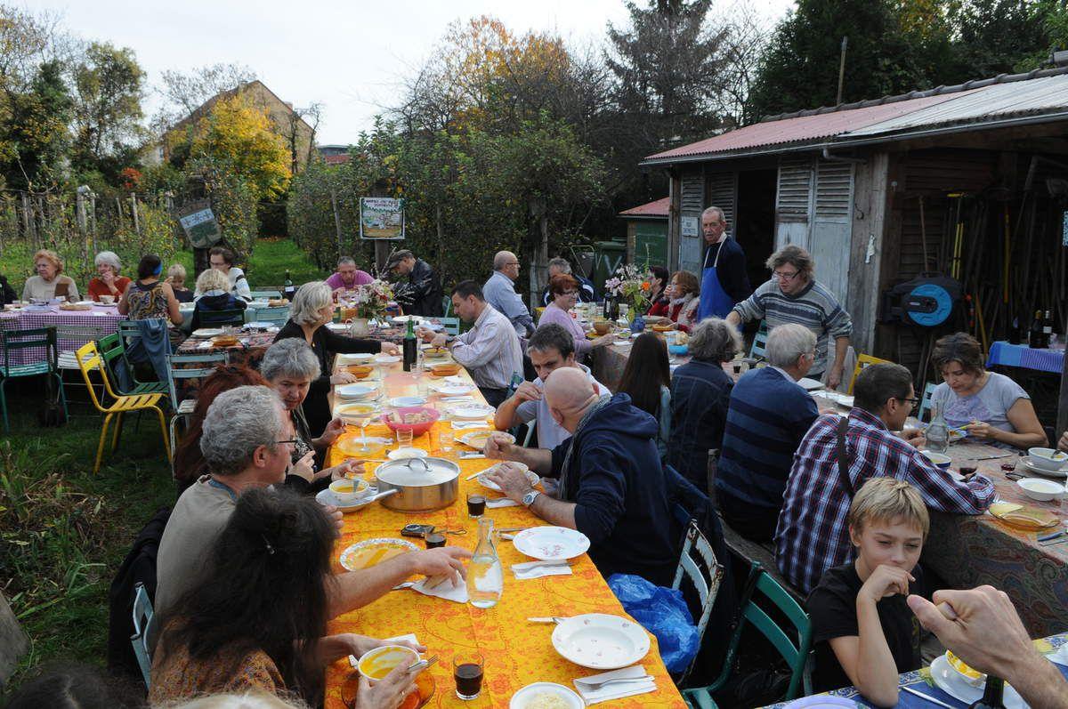 Soupe de potiron et marrons grillés ,des petits plats sucrés-salés préparés avec amour !sous le soleil en chemise un 8 novembre !faut il s'inquiéter?