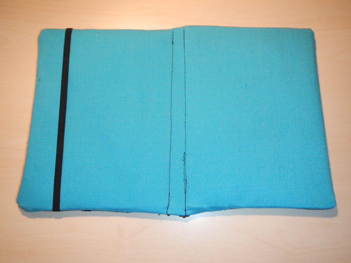 Housse du Kindle finie, vue intérieure et extérieure