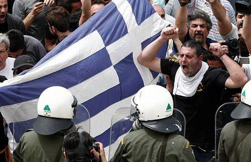 Esclavage moderne : le ministre de l'Education grec propose 1 100 postes pour des enseignants prêts à travailler bénévolement