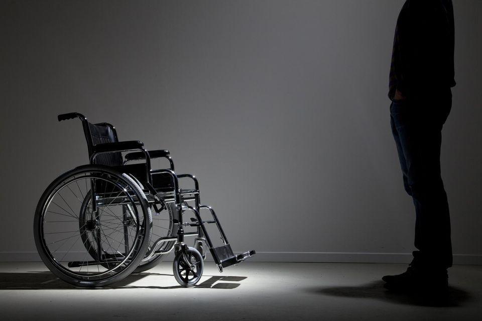 MAJ = SCANDALE DU JOUR:..l'Etat veut diminuer les aides des handicapés possédant un livret A