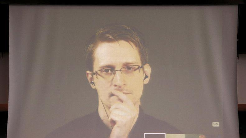Edward Snowden adresse un message à la France en français: le vote de la constitutionnalité de l'Etat d'urgence signe la victoire du terrorisme
