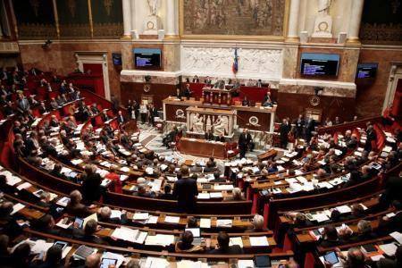 FRANCE : Feu vert du Parlement pour prolonger l'état d'urgence