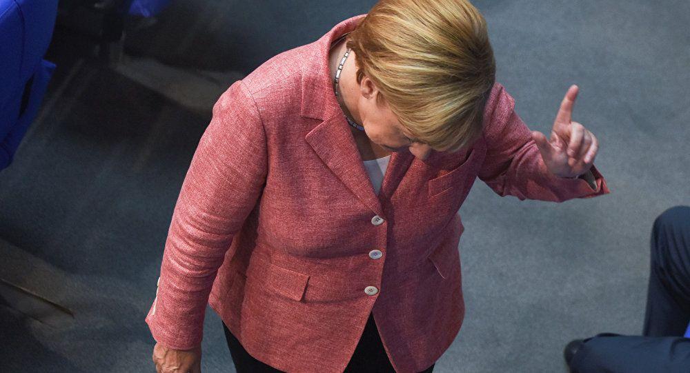 Migrants: Angela Merkel fait marche arrière