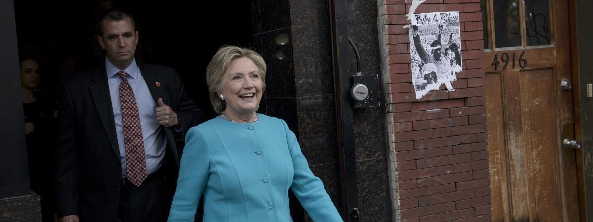 Présidentielle américaine : le FBI maintient sa recommandation de ne pas poursuivre Clinton dans l'affaire des e-mails