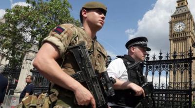 Attentat-suicide de Manchester : le gouvernement britannique déploie l'armée
