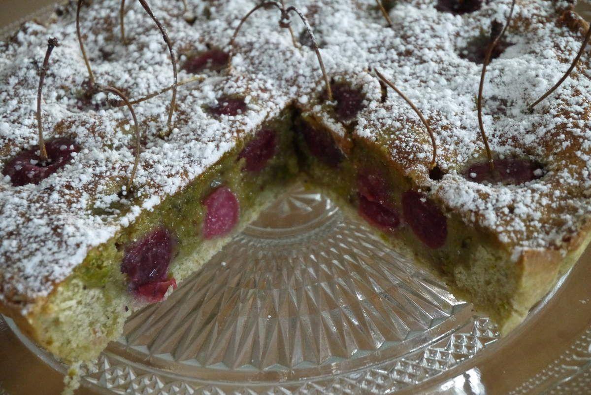 Tarte aux pistaches et cerises