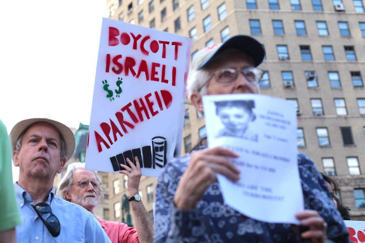 (Photo)USA :Manifestation de plusieurs milliers de juifs new yorkais contre l'intervention de l'armée israelienne