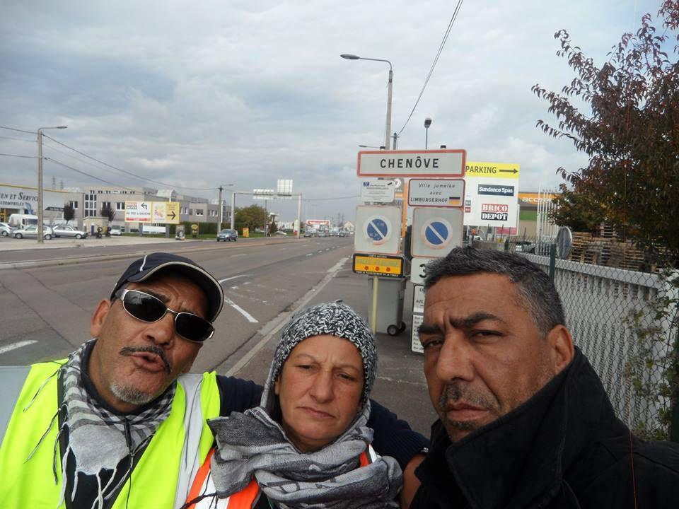 Les trois Marcheurs inséparables : Amstar, leila, Arbi...1983...c'est pas fini ,alors 2015 On ne lâche rien