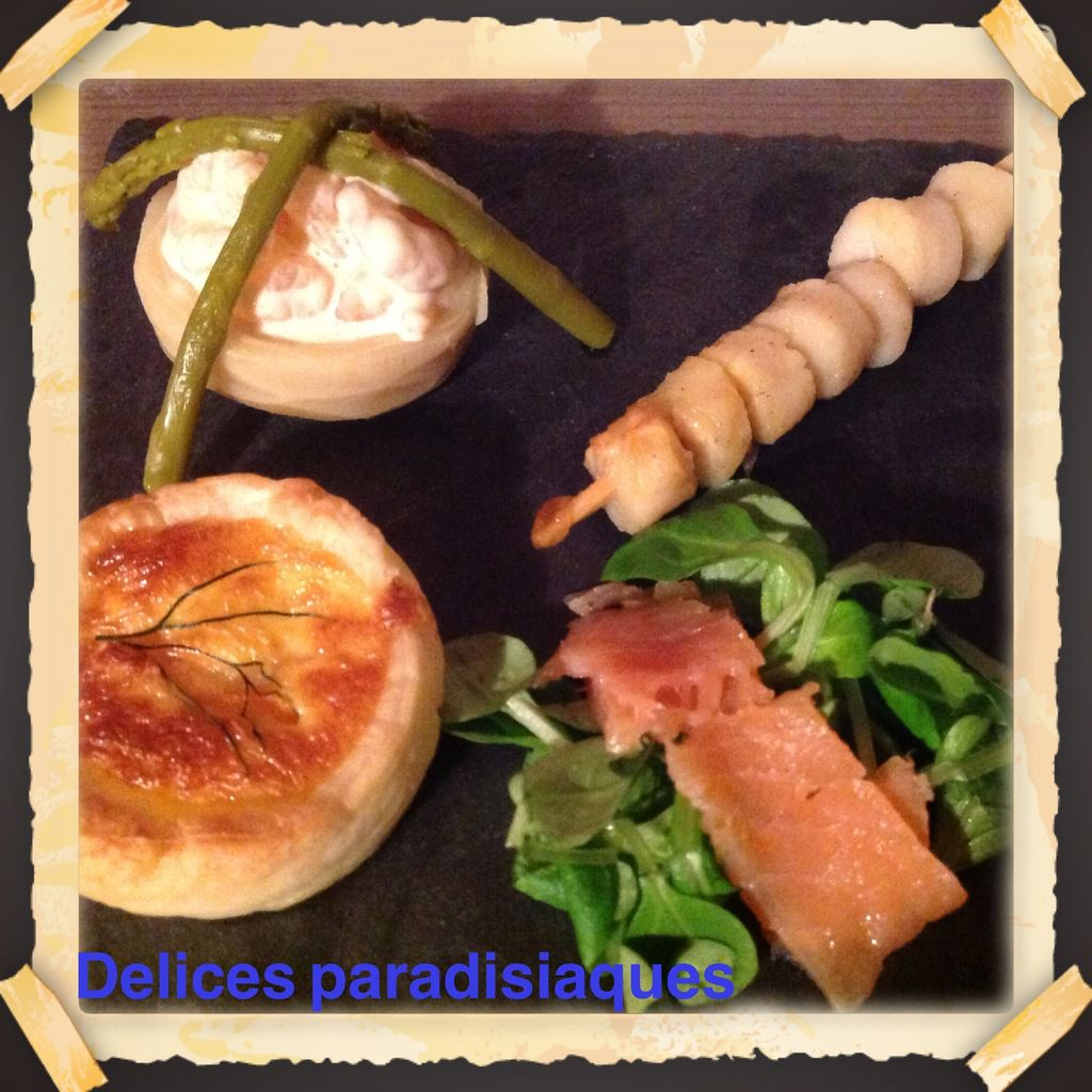 Assiette de La Mer :Fonds d'artichauds aux petites crevettes roses et ses asperges vertes, brochette de noix de saint-jacques marinées