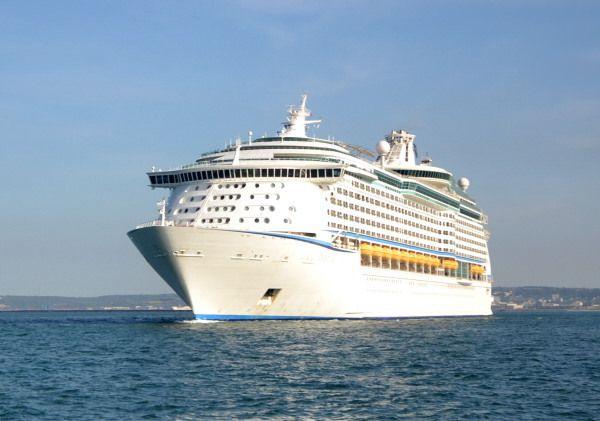 L'Adventure of the Seas, sister-ship de l'Explorer of the Seas