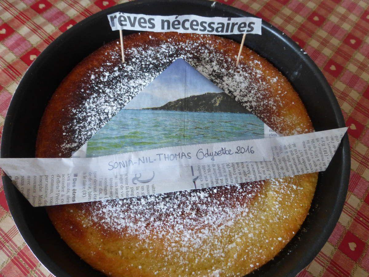 Gâteau réalisé pour le départ de l'Odysette, il a même été filmé pour une chaîne de télé locale. L'écume de la mer est en sucre glace!