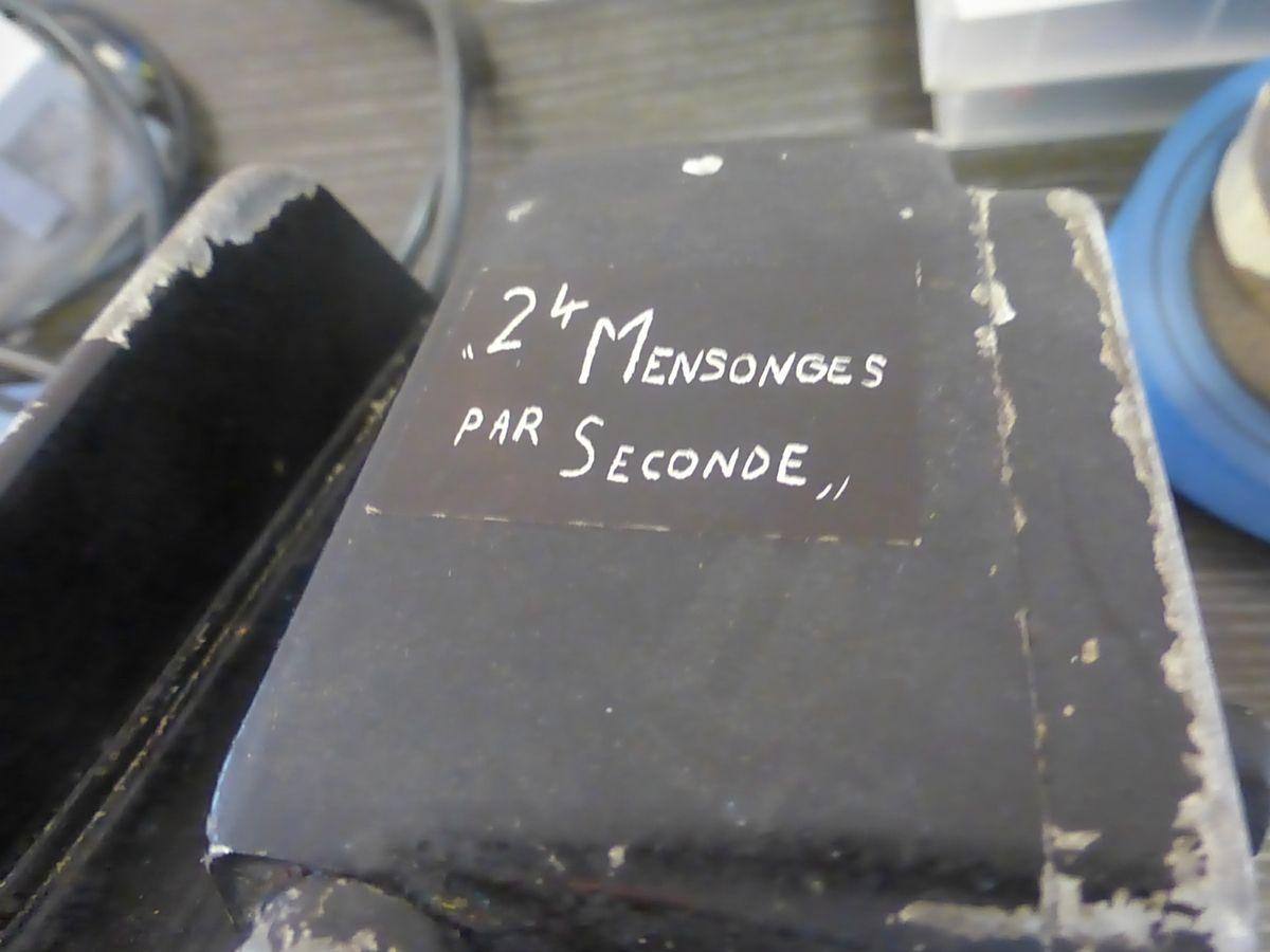 24 mensonges par seconde!