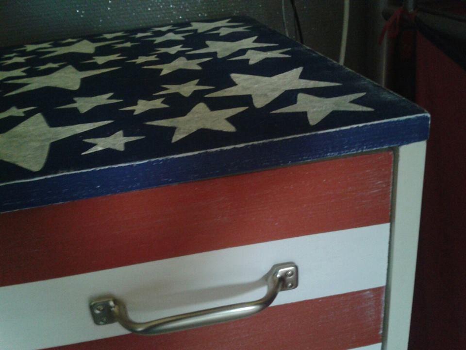 ancienne table a langer remise au gout du jour b atelier. Black Bedroom Furniture Sets. Home Design Ideas