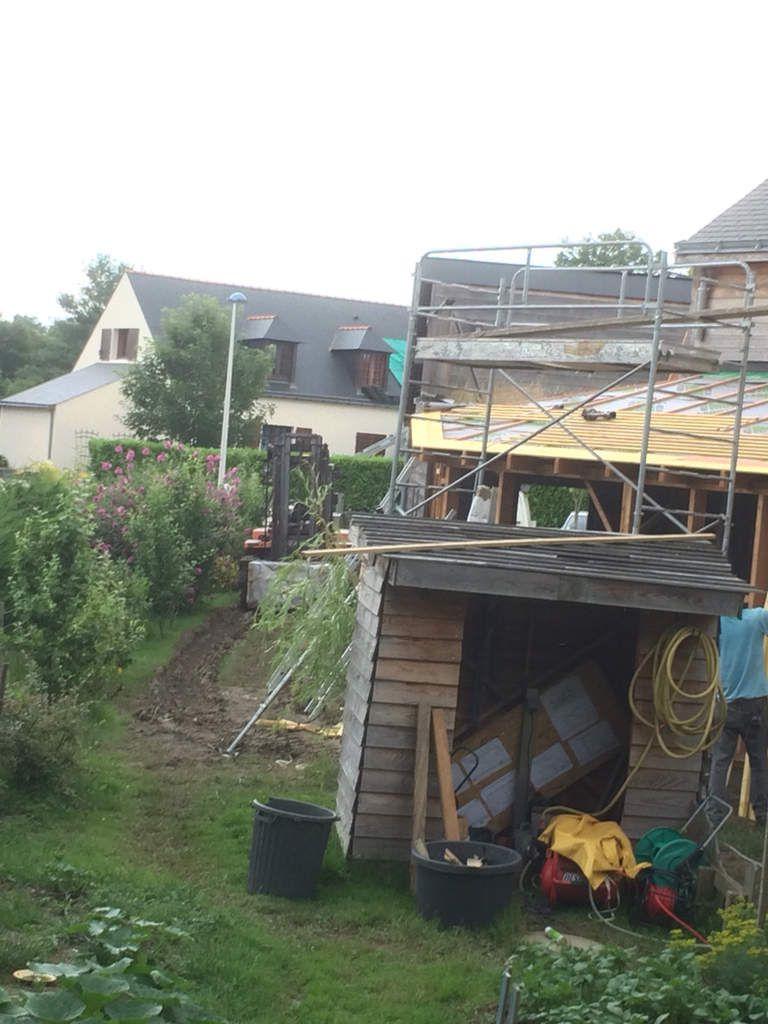Extension : 13500 ht murs et couverture : arrivé là. Plus un petit supplément pour aider le client côté garage le toit à gauche en bas. Avec toute la ouate: 22cm en mur et 32 cm en toiture. Le client fera l'insuflation , avec mise en route.
