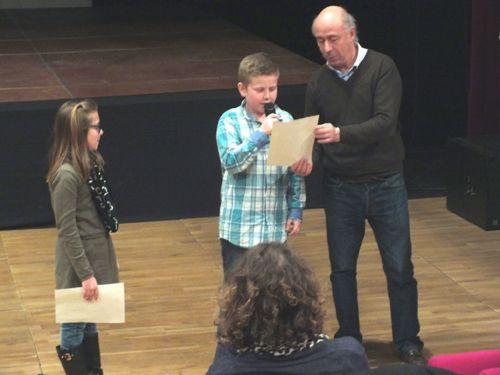 Avant la projection, deux enfants ont lu un texte sur le siège d'Harfleur écrit par leur soin.
