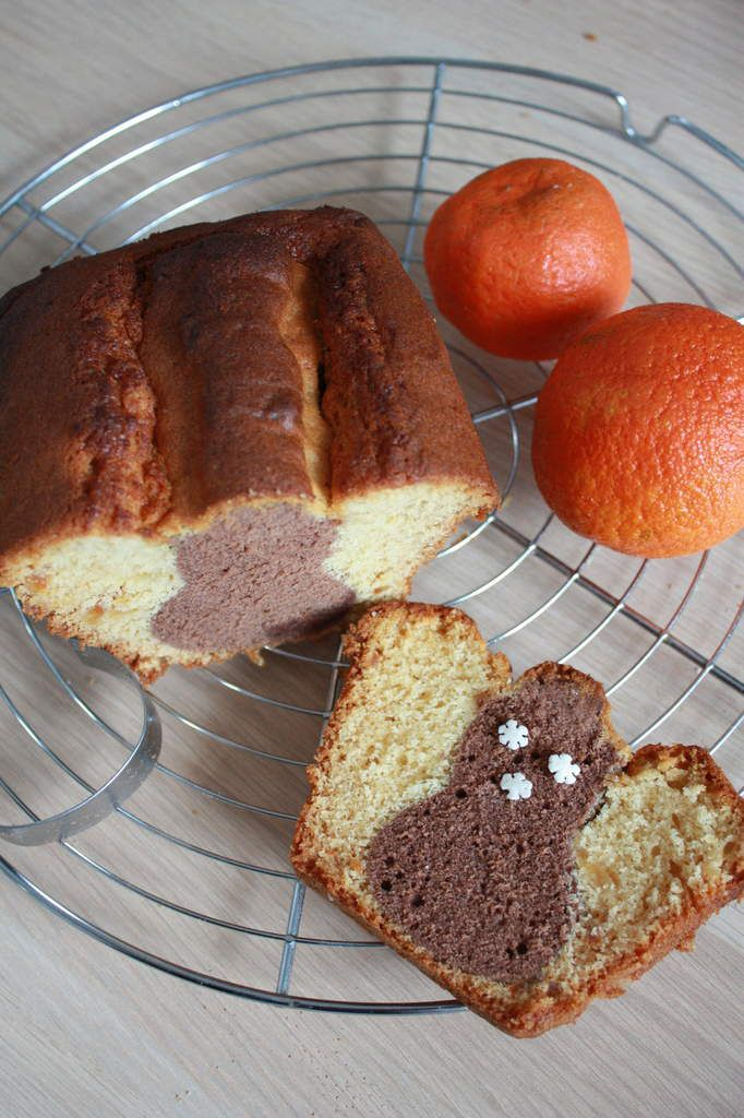 Cake surprise à la confiture d'oranges &amp&#x3B; au chocolat.