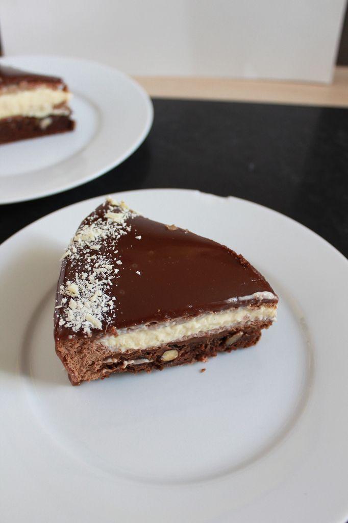 Le Beloha (entremets vanille et chocolat au lait, brownie) de A. Loutsh &amp&#x3B; J-P Etienvre.