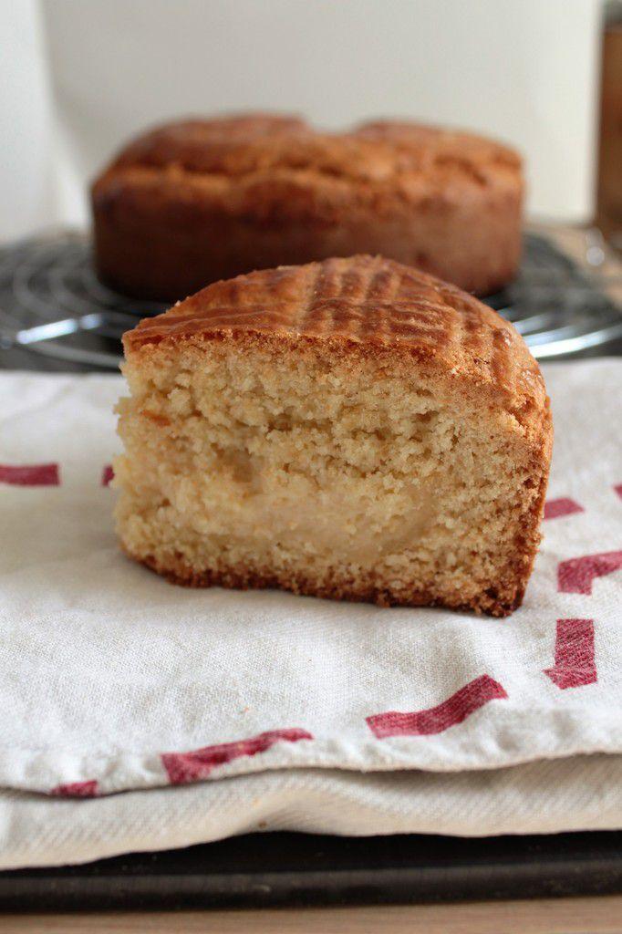 Gâteau basque {crème pâtissière}.