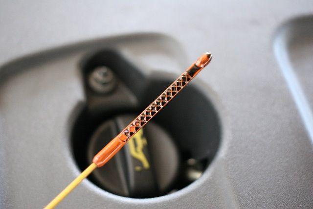 Co zrobić, gdy w silniku przybywa oleju?