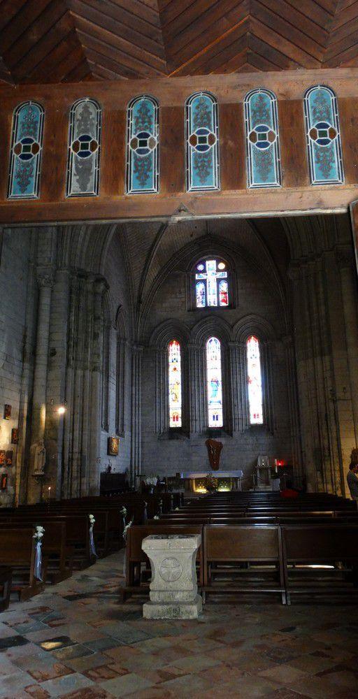 L'abbatiale Saint-Pierre-de-Brantôme...